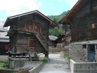 Typical houses in Mund, canton Valais (photo Wikipedia)