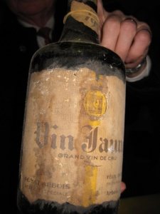 Percee vin jaune vente aux encheres