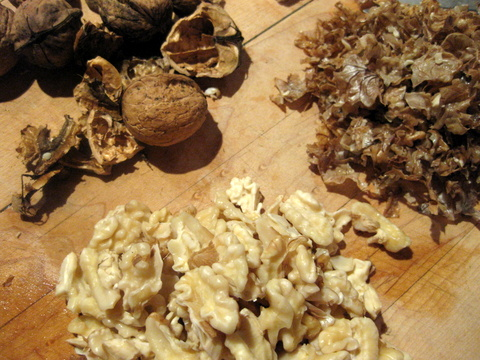 Sue Style's peeled walnuts for chiles en nogada