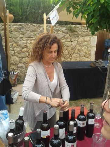Carme Casacuberta pours wines from her Vinyes d'Olivardots range