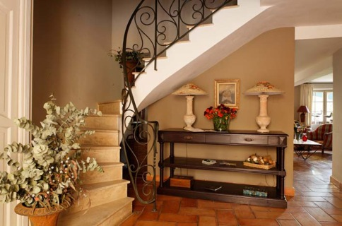 Maison de la Bourgade staircase, from their website